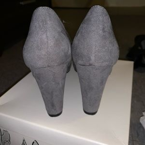Gray thick heels